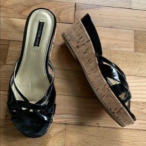 Bandolino Black Platform Sandals